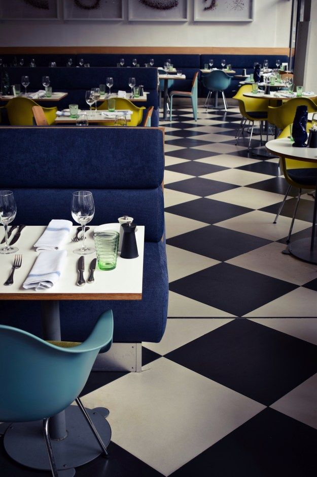 Kensington Place restaurant, mid century modernist and chequerboard floor, notting hill