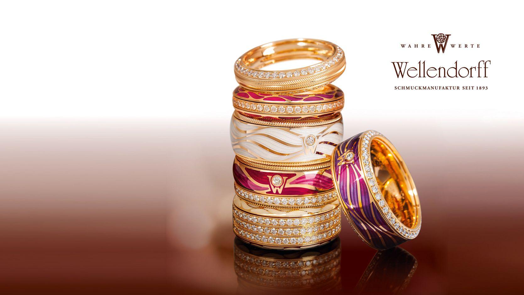 """Als offizieller Konzessionär von Wellendorff freuen wir uns sehr, Ihnen die neueste Kollektion """"Glücksgefühle"""" anbieten zu können. Die ersten Ringe sind bei uns eingetroffen, auf Lager und stehen somit sofort zur Ansicht oder für den Versand zur Verfügung."""