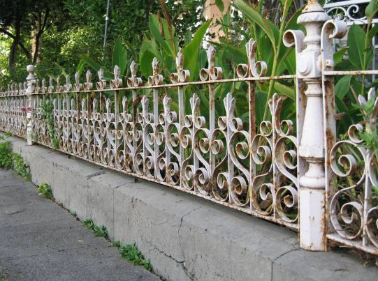 A Closeup Of The Antique Iron Fence Which Was In Very Bad Shape It Is Out Being Repaired Cleaned And Powder Coated Wrought Iron Fences Fancy Fence Iron Fence