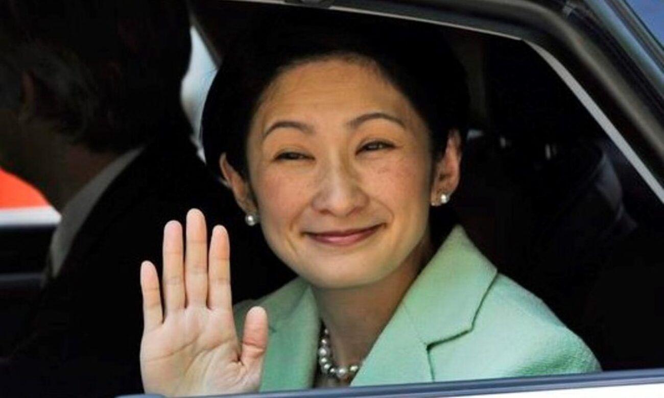 皇室 情報 室 菊 の カーテン 皇居に住む「紀子さま実弟」 川嶋家「皇室利用」の驚くべき実態