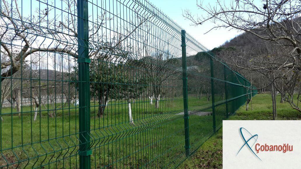 Cobanoglu Tel Orme Ist In Der Stadt Bayrampasa Istanbul Drahtzaun Cob Bayrampas In 2020 Wire Fence Fence Fence Gate