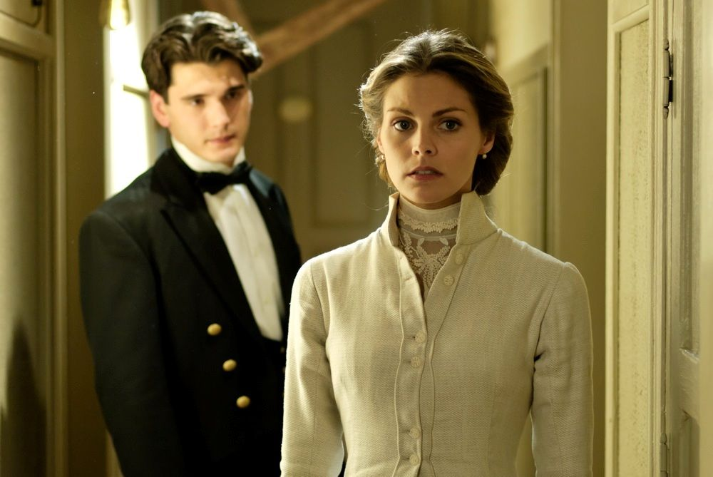 Grand Hotel Tv Series 2011 2013 Imdb With Images Gran