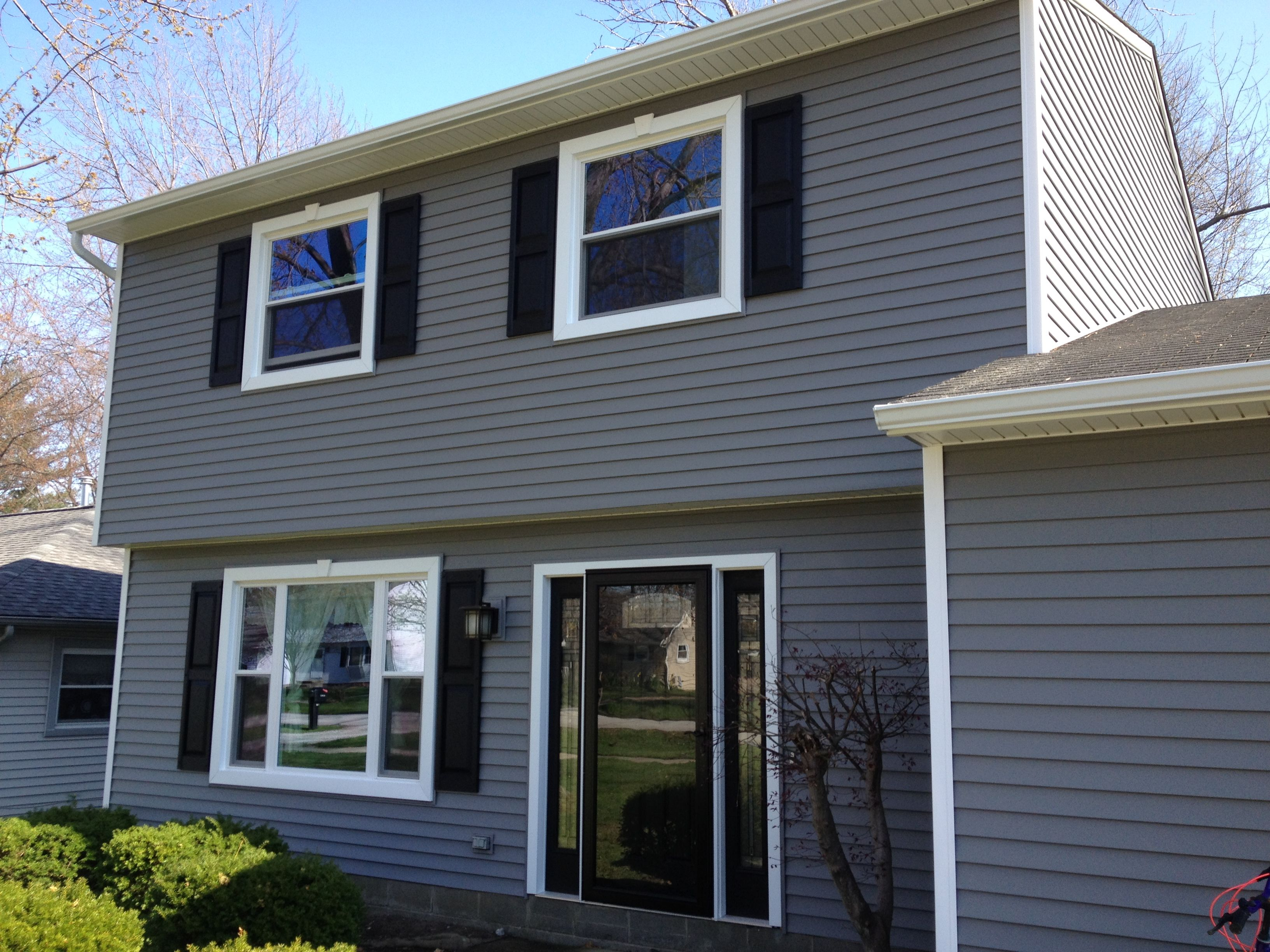Diy how to install vinyl siding - Beautiful Certainteed American Legend Vinyl Siding Installation In The Color Charcoal We Also Installed New
