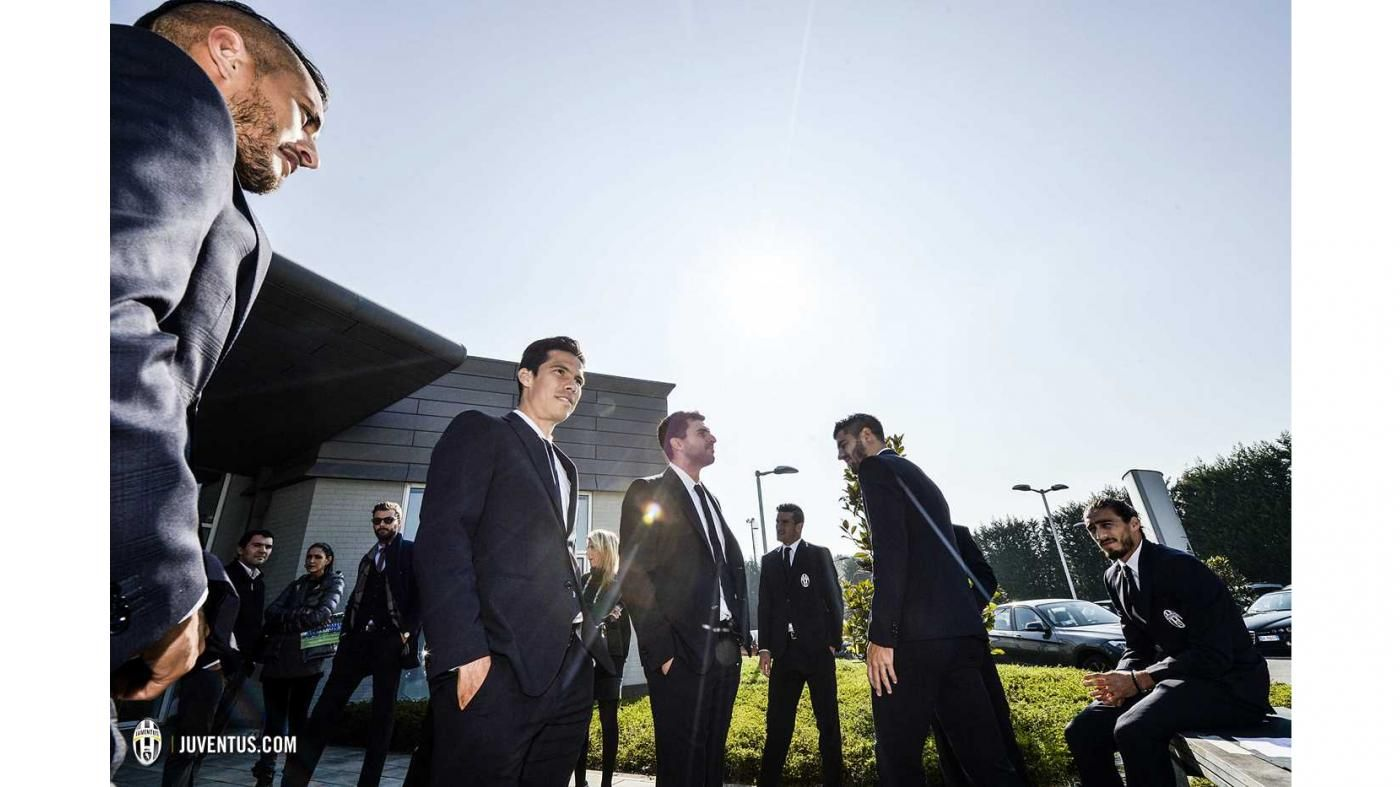 Foto Squadra 2015/16, il backstage (divisa formale) - Juventus.com