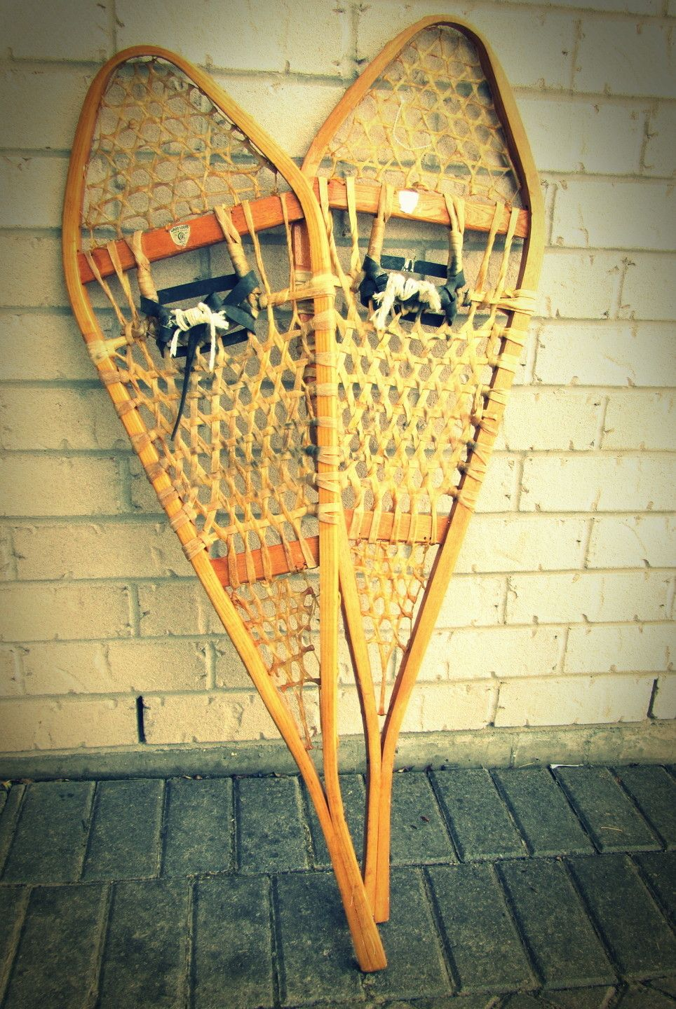 vintage snowshoes would be great cabin decorations :: chickadelic ...