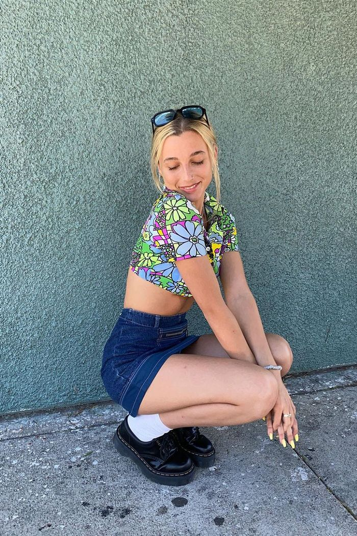 Photo of The One Thing Every Gen Z'er Wears Because of Emma Chamberlain