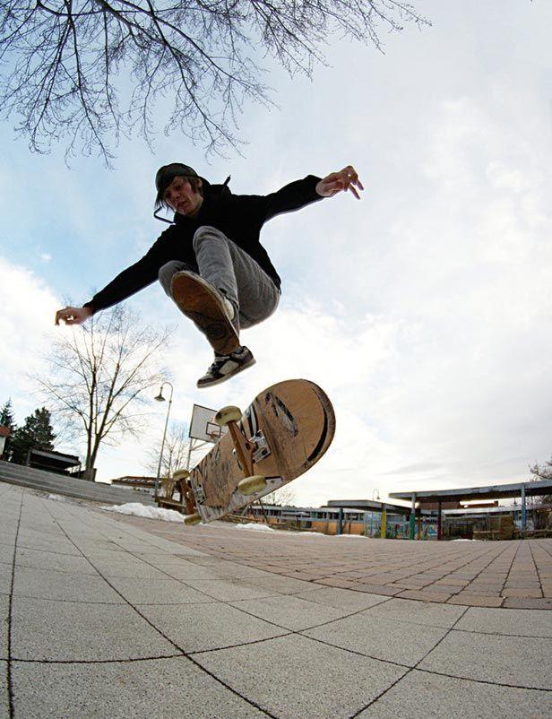 14 Skateboard Tricks For Beginners Skateboard Skate Man Skate