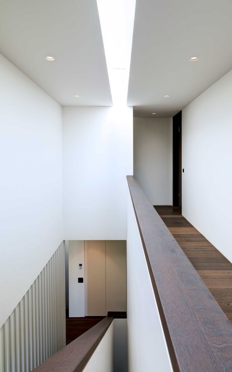Treppenhausgestaltung in Einfamilienhaus mit Oberlicht | Treppen ...