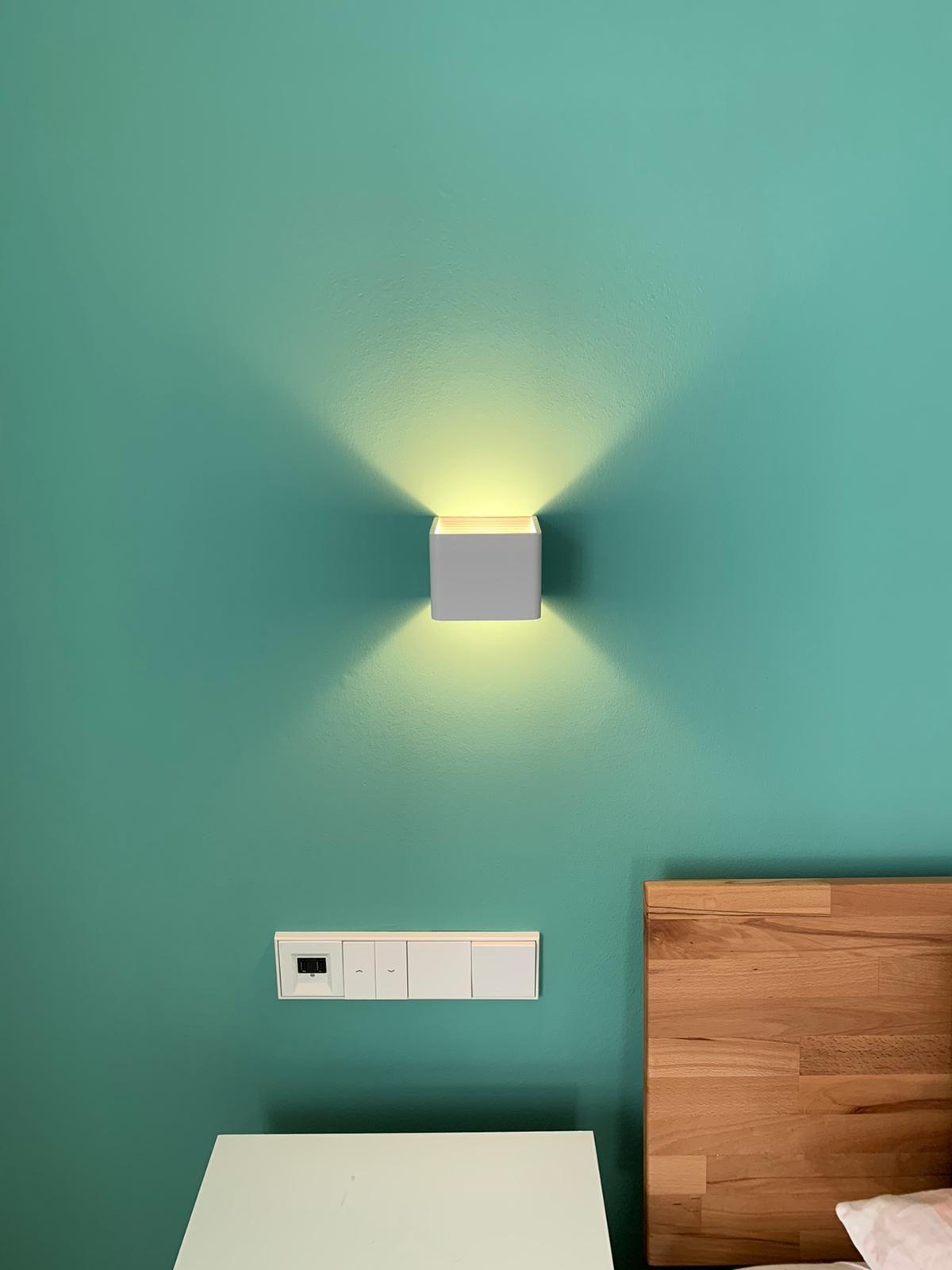 5 Watt Led Design Wandleuchte Ip20 Mit Indirektem Lichtaustritt Als Up Down Light Erhaltlich In Den Variationen 3000 In 2020 Wandleuchte Beleuchtung Hausbeleuchtung