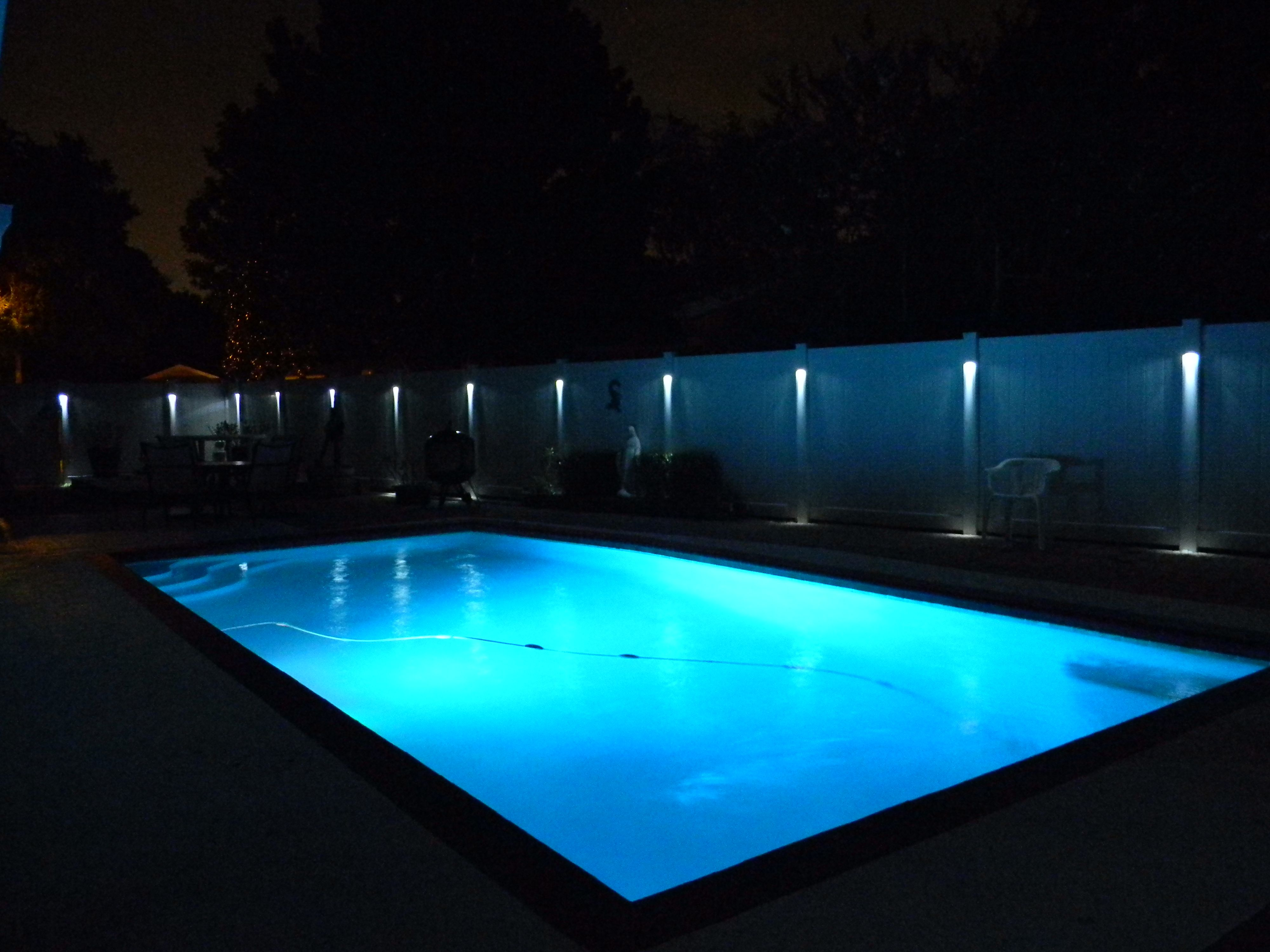 Low Voltage Fence Lighting Available In Many Different Colors
