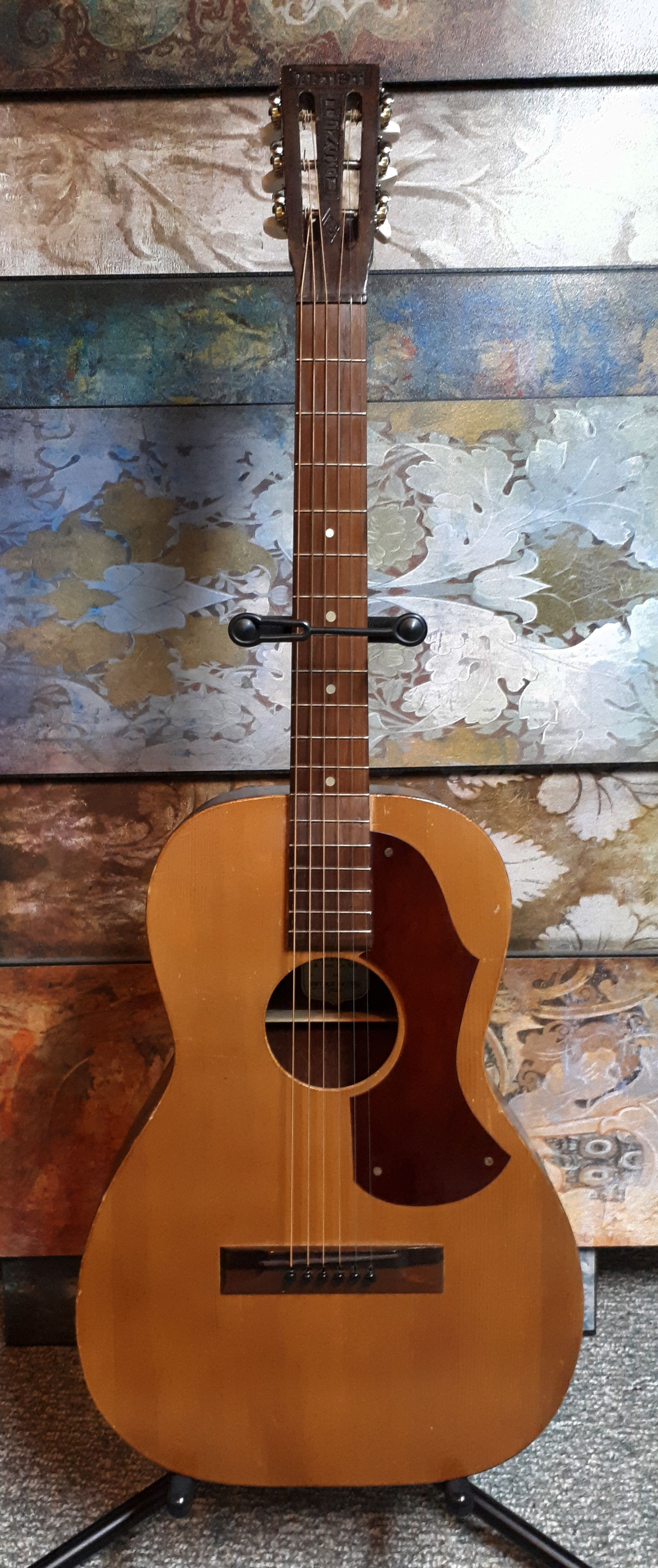 1930s 40s Arthur Hensel Artist Parlour Guitar Made For R S Williams And Sons Guitar The Incredibles William And Son