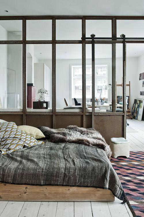 Copenhague / Chambre avec verrière / (ATELIER RUE VERTE le blog)  loft door ideas  Pinterest ...