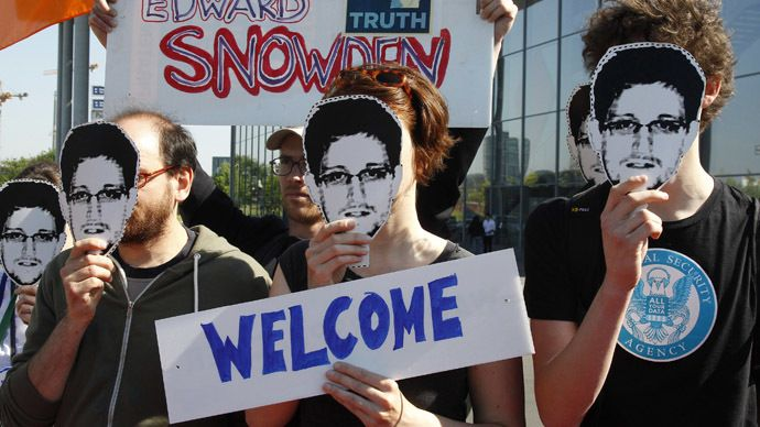 'Grant Snowden French asylum' petition gets 150,000 signatures - RT #Snowden, #FrenchAsylum, #Petition