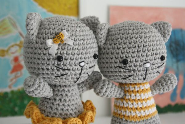Small cat with joined legs | Free amigurumi and crochet patterns ... | 401x600