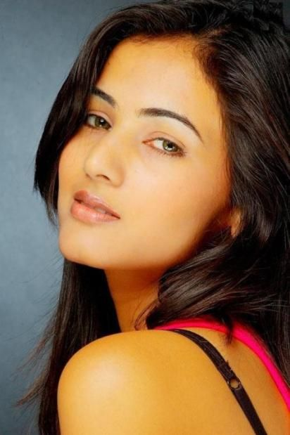 Sonal Chauhan Pictures Wallpapers Sonal Chauhan Hd Wallpapers