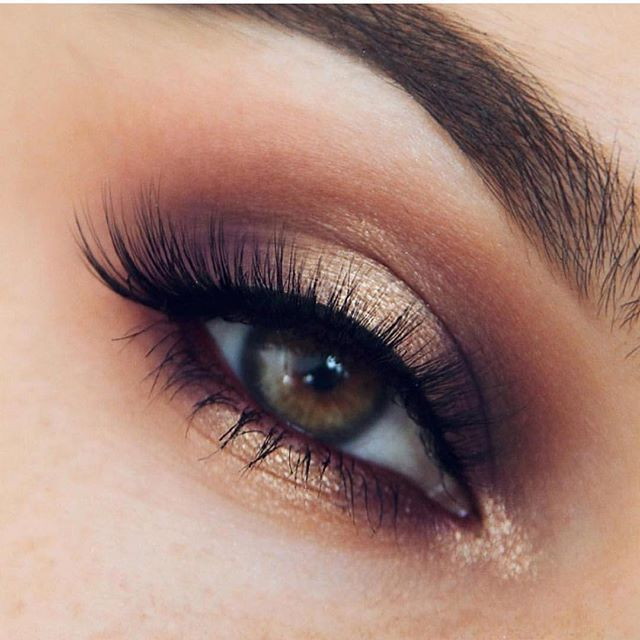 Party smokey gold bronze brown eyeshadow #EyeMakeupProm #browneyeshadow