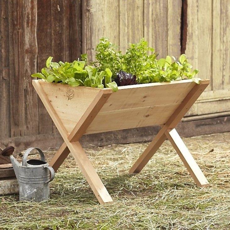 Edible Garden A Veg Wedge On Legs Vertikala Tr Dg Rdar Tomater Och L Dor