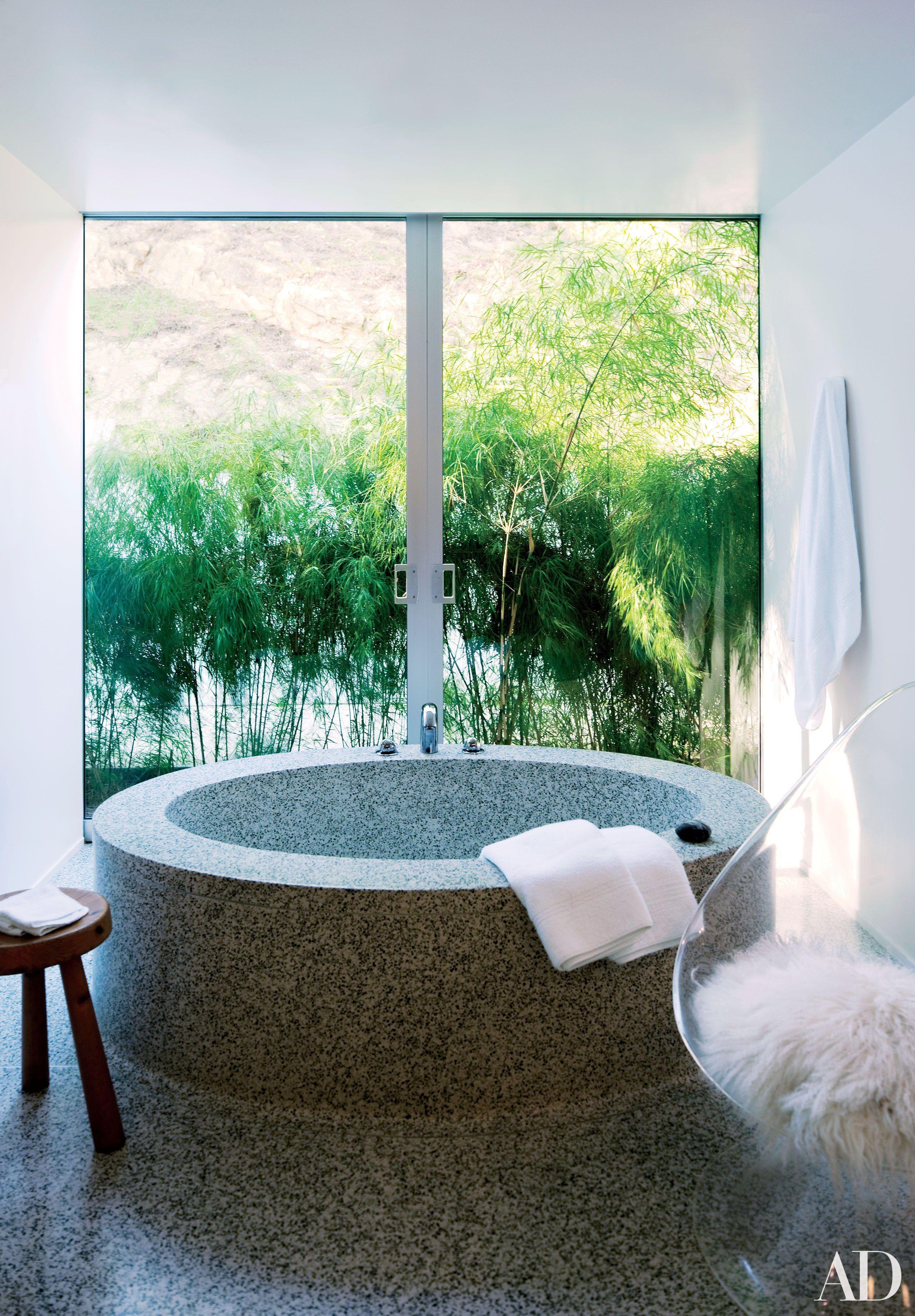 22 Luxury Bathrooms in Celebrity Homes | Architectural digest, Bath ...