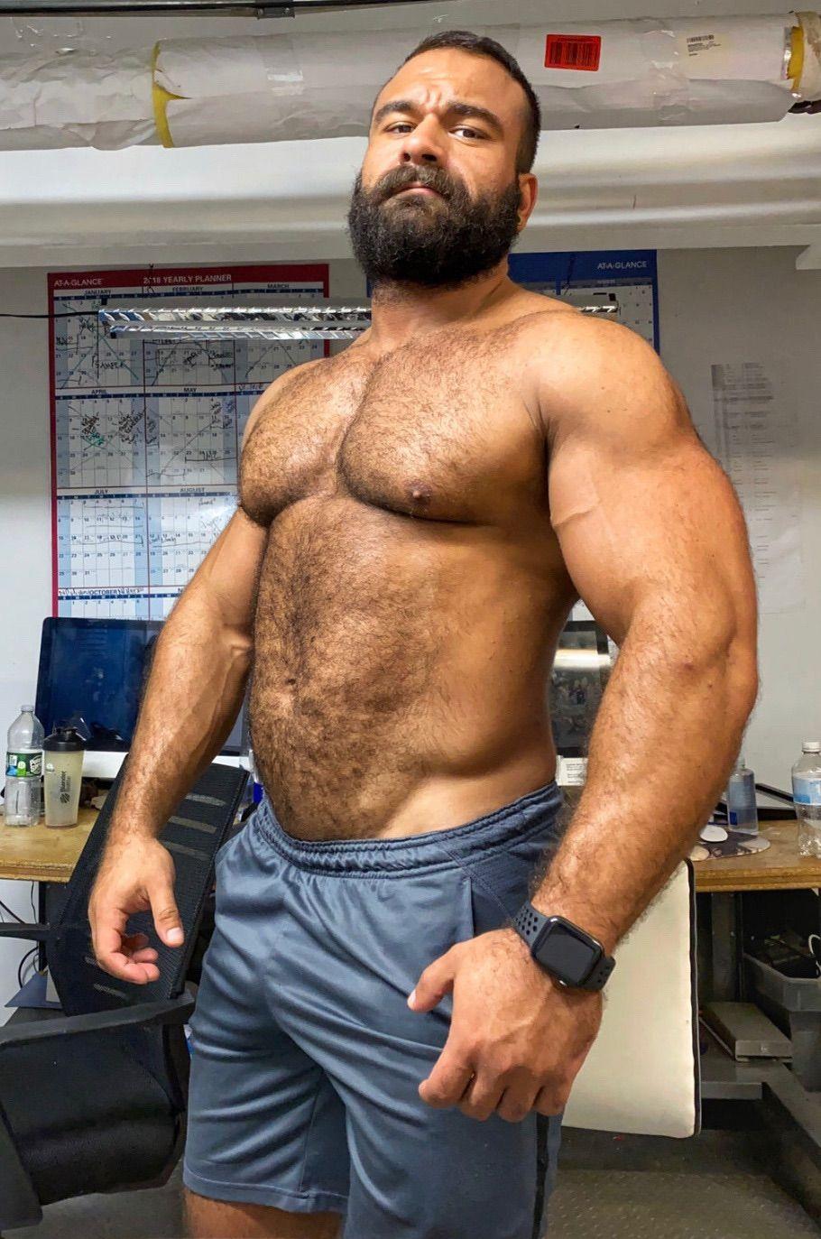 Pin von sebastiann auf muscle bears + daddys i love