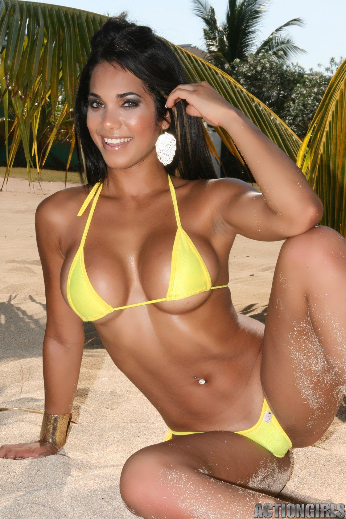 Babe bikini clip video