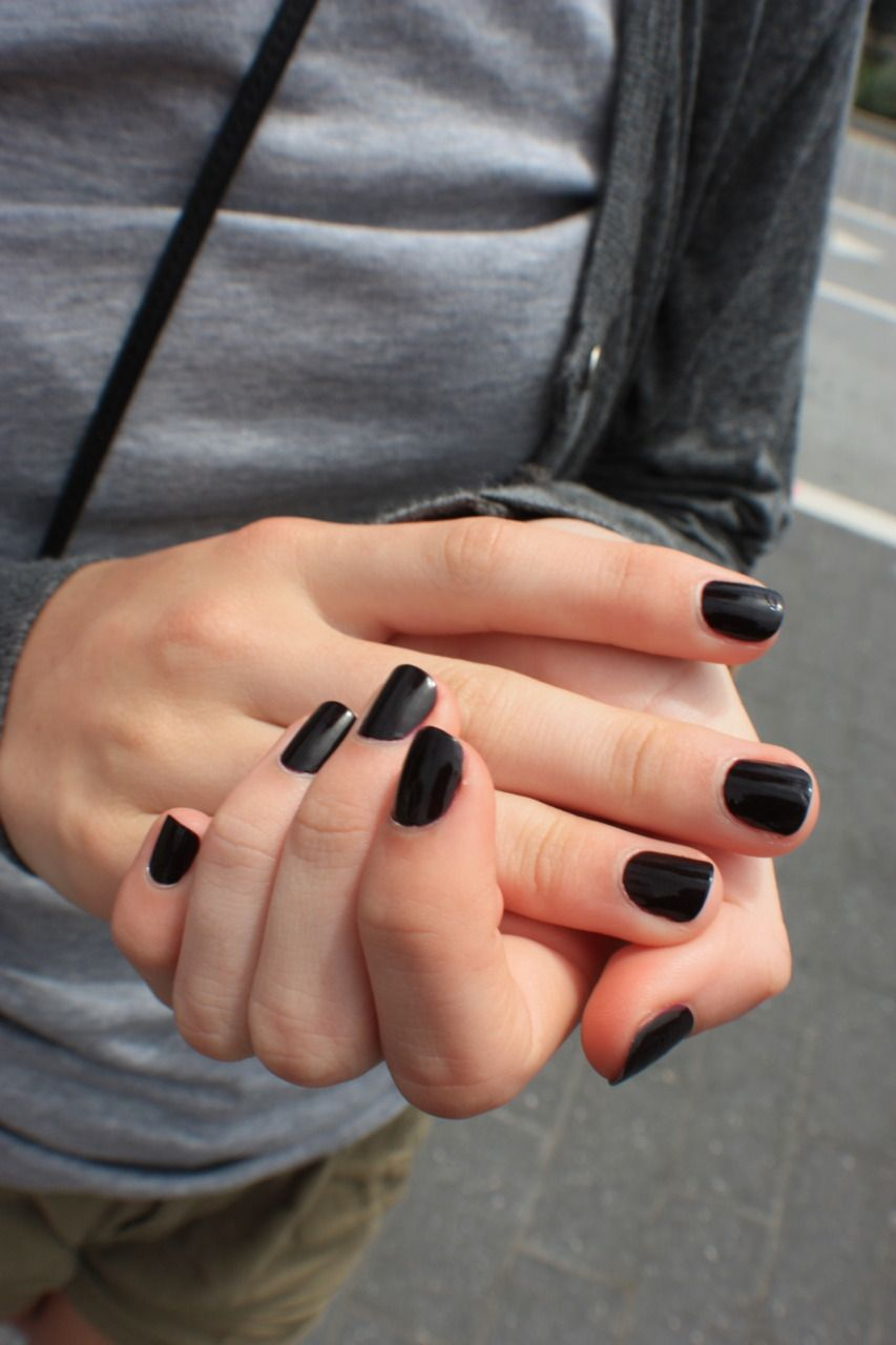 The Street Style Dark Nails Black Nails Pretty Nails
