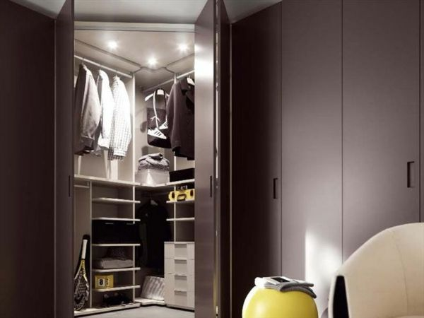 die besten 25 eckkleiderschrank ideen auf pinterest. Black Bedroom Furniture Sets. Home Design Ideas