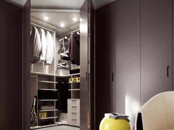 eckkleiderschrank praktische und moderne interieur l sung deko pinterest schrank. Black Bedroom Furniture Sets. Home Design Ideas