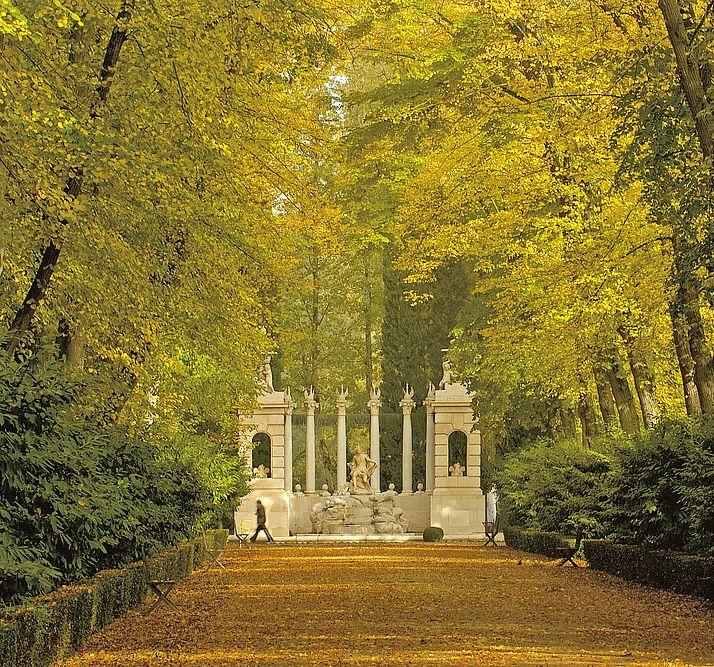 Jardines De Apolo Palacio Real De Aranjuez Comunidad De Madrid Lugares De España Sitios Para Visitar Parques De Madrid