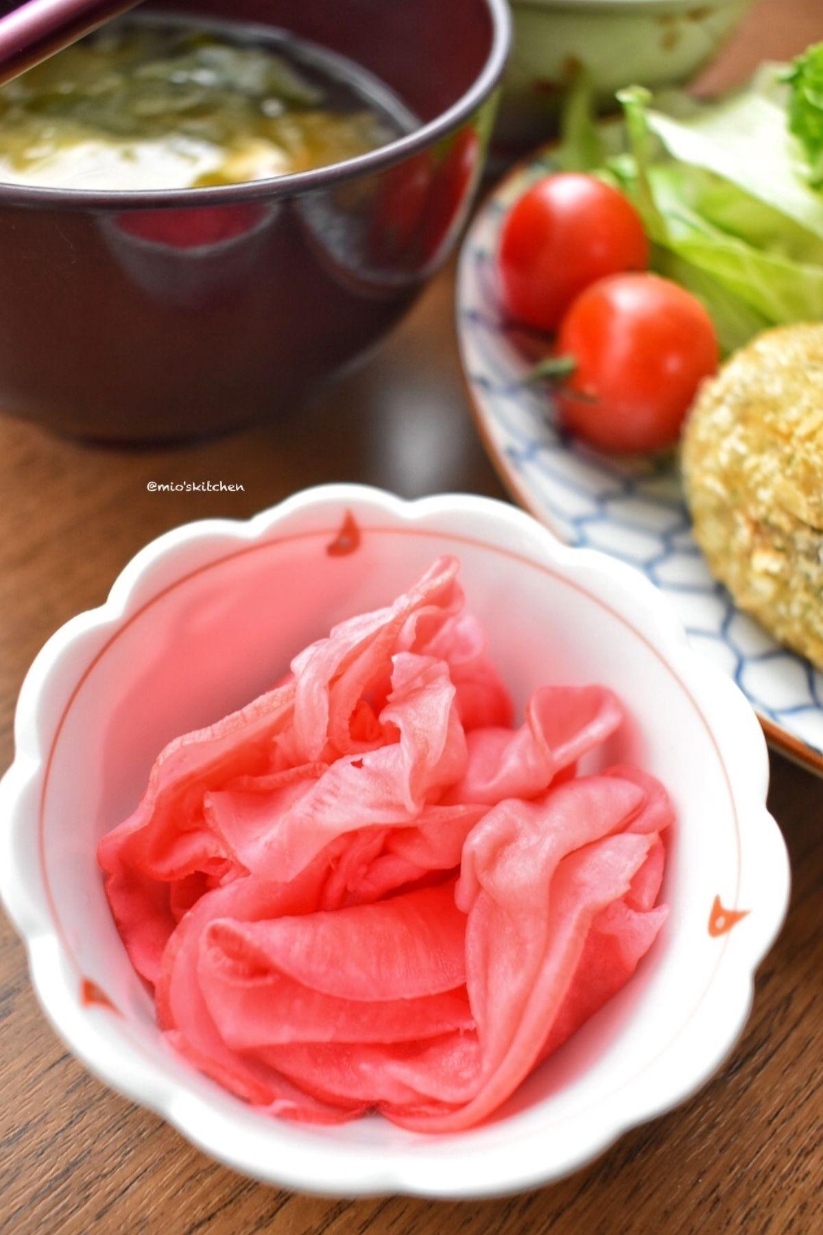 材料2つ♡甘酸っぱさがたまらない♡箸休めに赤カブの甘酢漬け♡