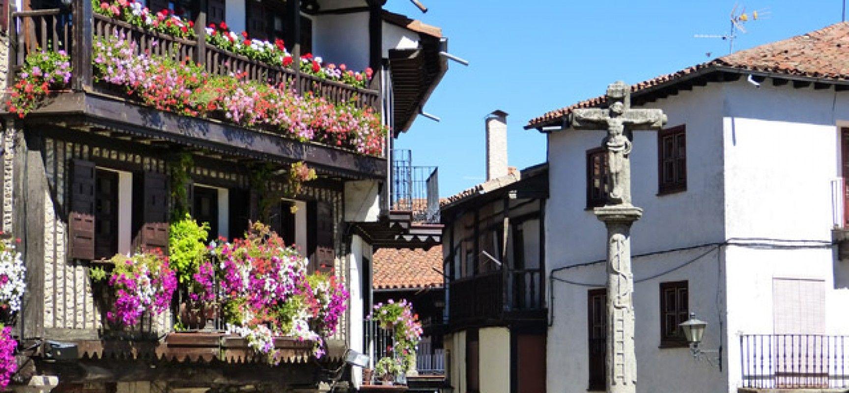 Plaza mayor de la alberca 1728x800 lugares que visitar for Cosas que ver en la alberca salamanca