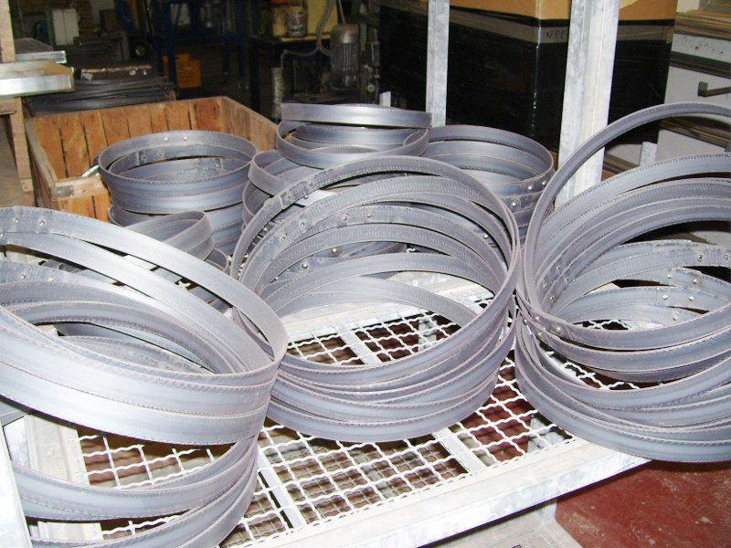 1341 cerchi in acciaio per botti nel 2019 legno for Botti in legno per arredamento