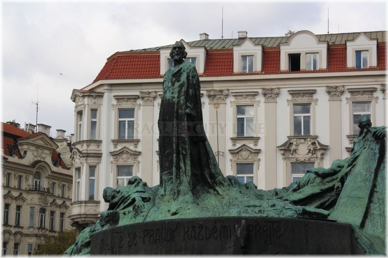 Staromestske Namesti Pomnik Mistra Jana Husa Prague Czech