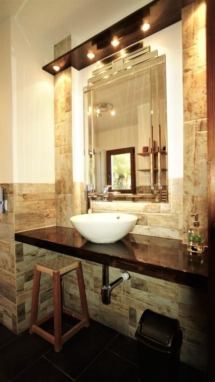 Ein Traum von Bad. #waschbecken #lichter #steinwand   Schöne ...