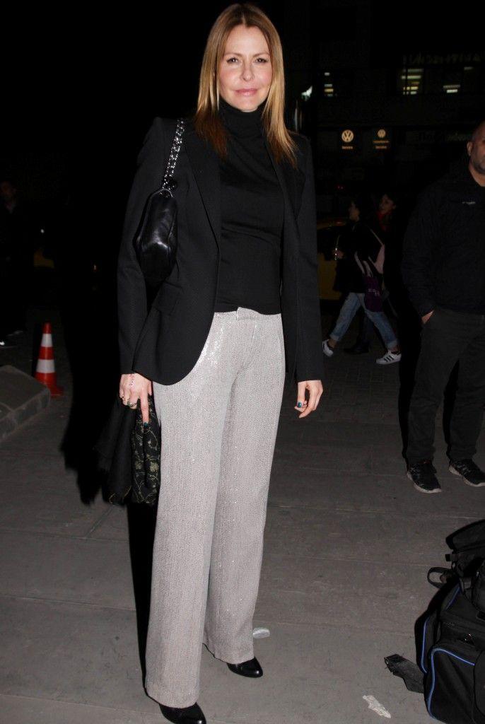 Τζένη Μπαλατσινού  Ξεχώρισε με ένα παντελόνι με παγιέτες - JoyTV 81a4ed8f7db