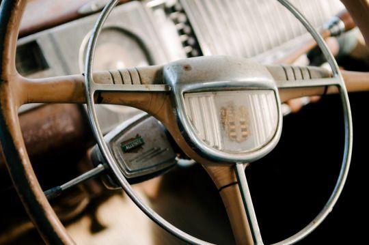 steering wheel by Sam Scholes   https://www.flickr.com/photos/pictobox/
