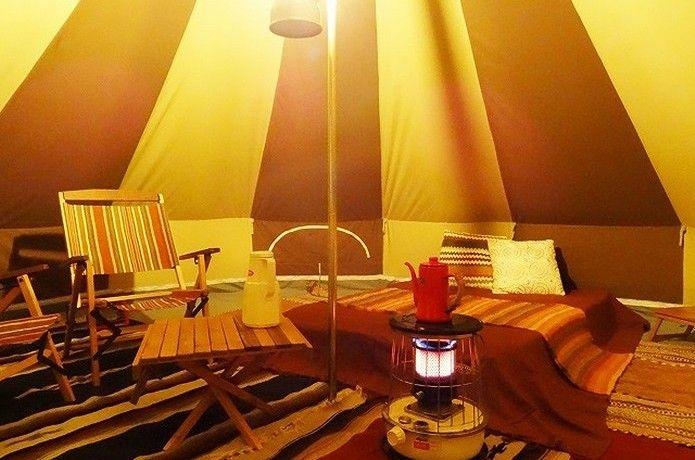 沢山のラグを用いたテント内のおしゃれ テント ラグ おしゃれ おしゃれ