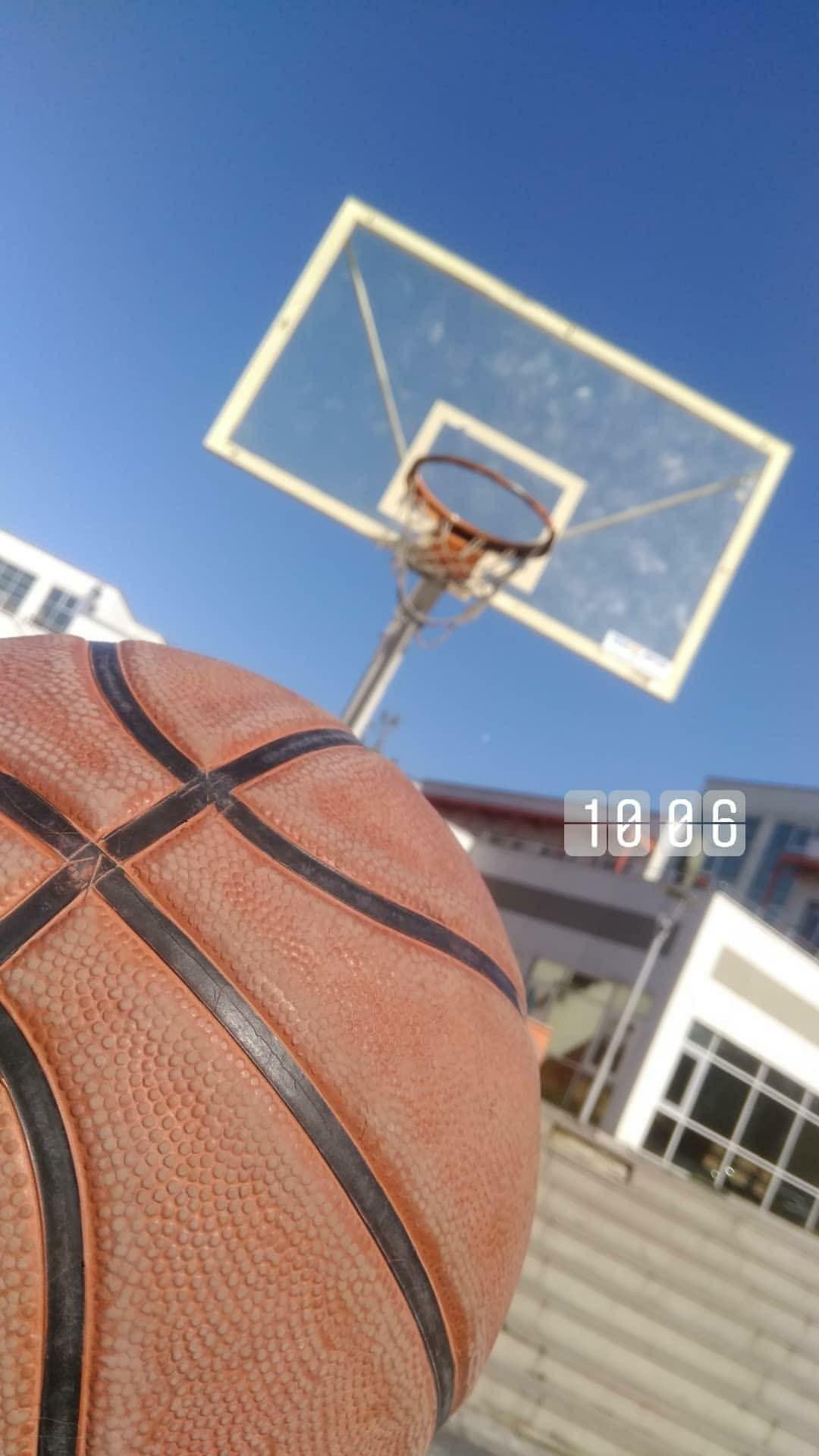 Fake Story Fake Instagram Basketbol Okul Yuzu Gozukmeyen Kiz Gambar Bola Basket Trik Fotografi Fotografi