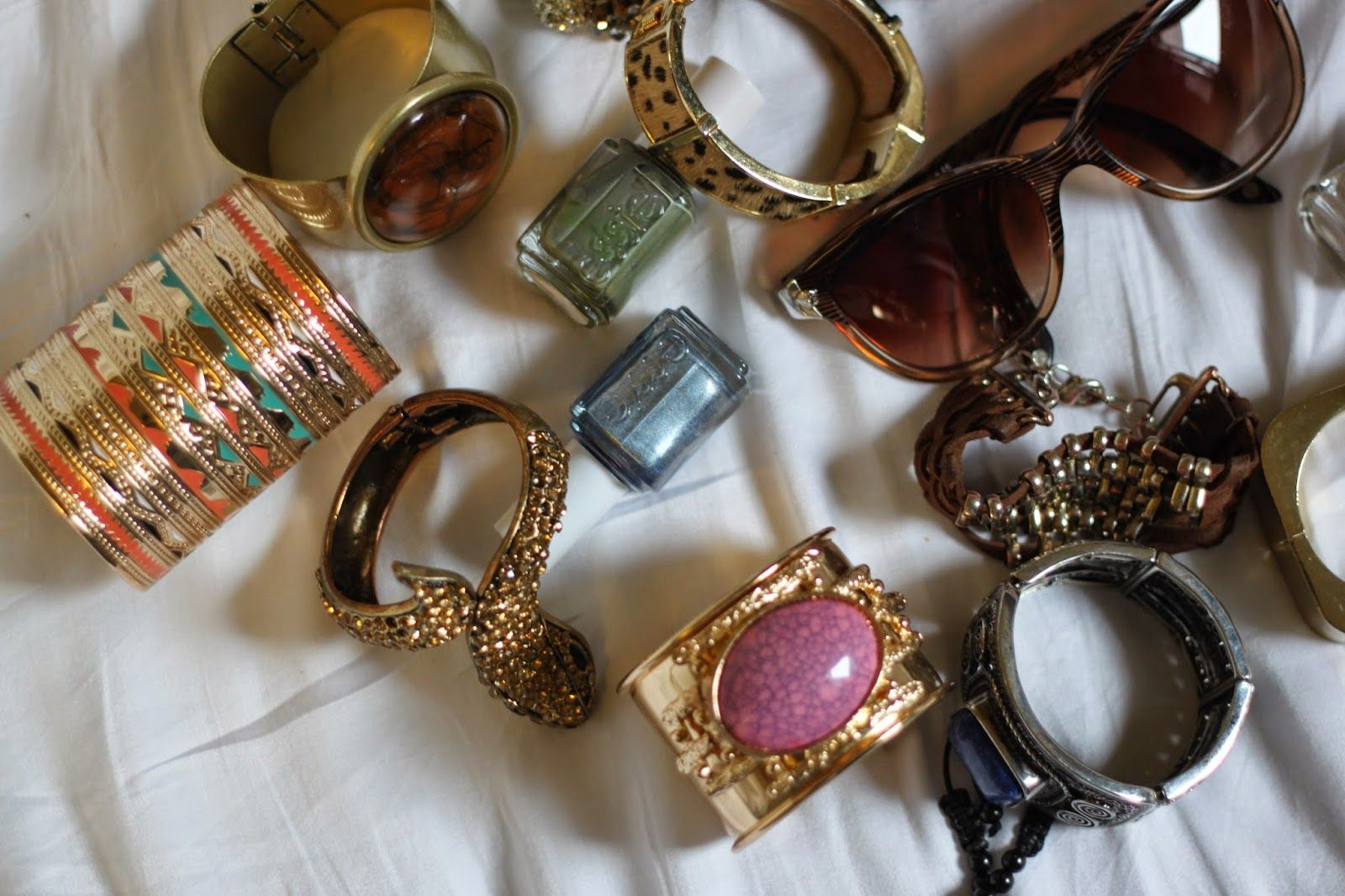 Kimberley Marquis - Fashion, Beauty, Travel, and Lifestyle. : A Peek Into My Accessories Closet.