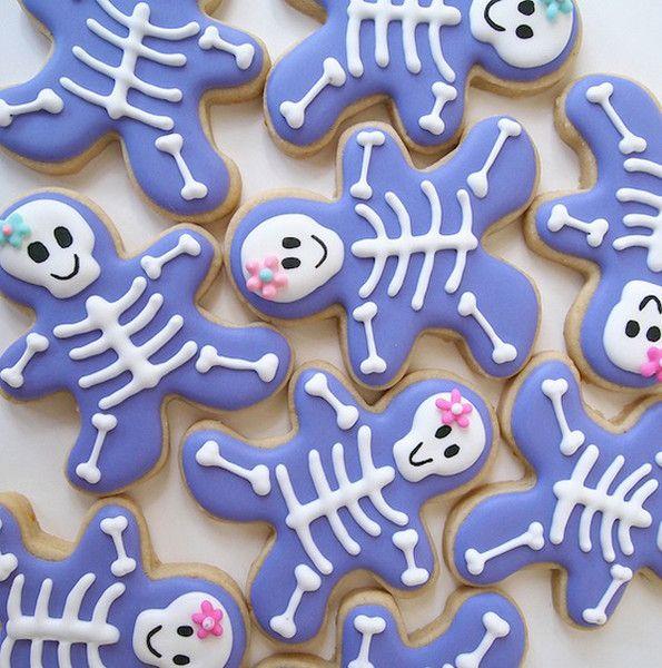 Estos esqueletos si que dan ganas de comérselos, azules y todo!