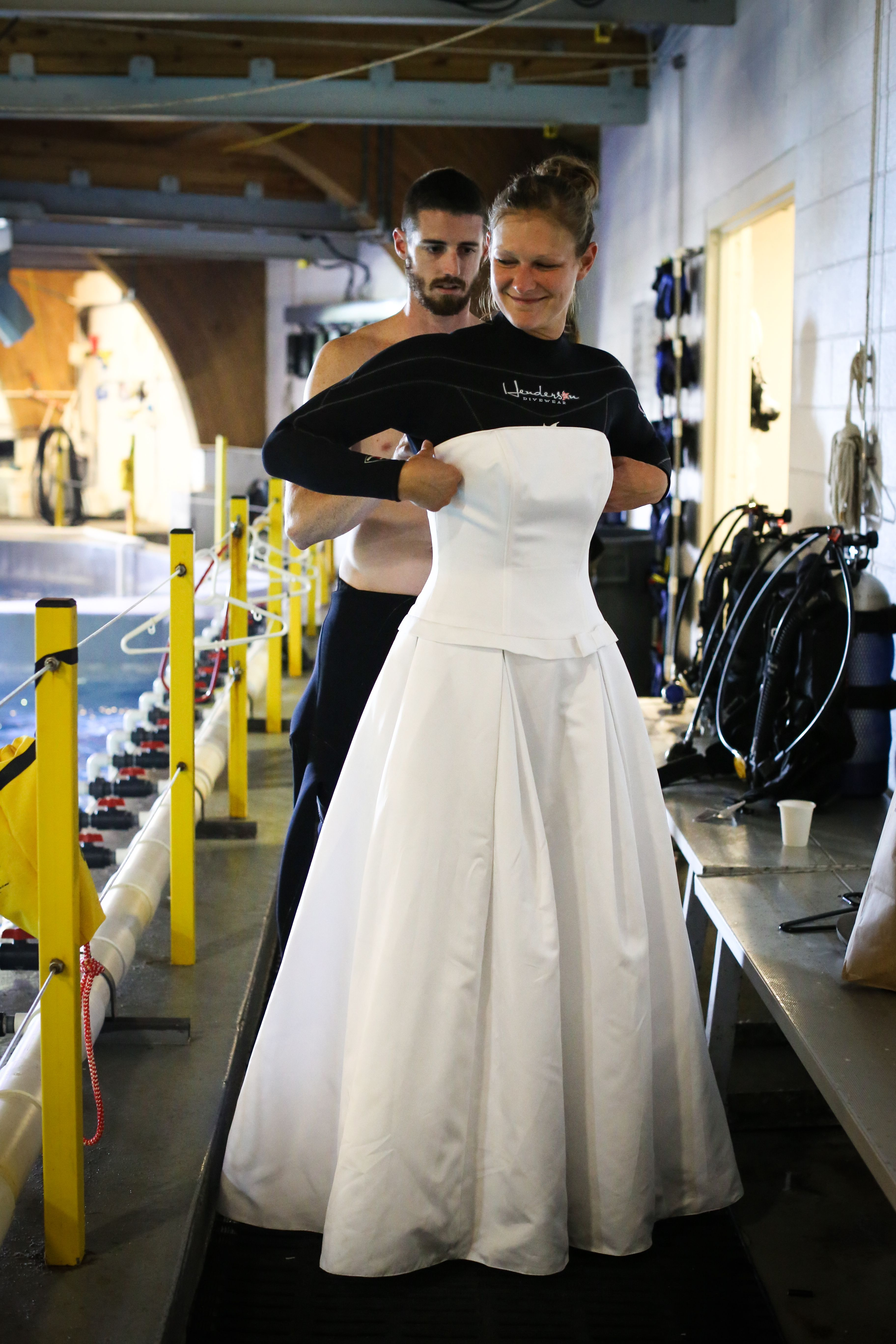 What does a bride wear when getting married in a shark