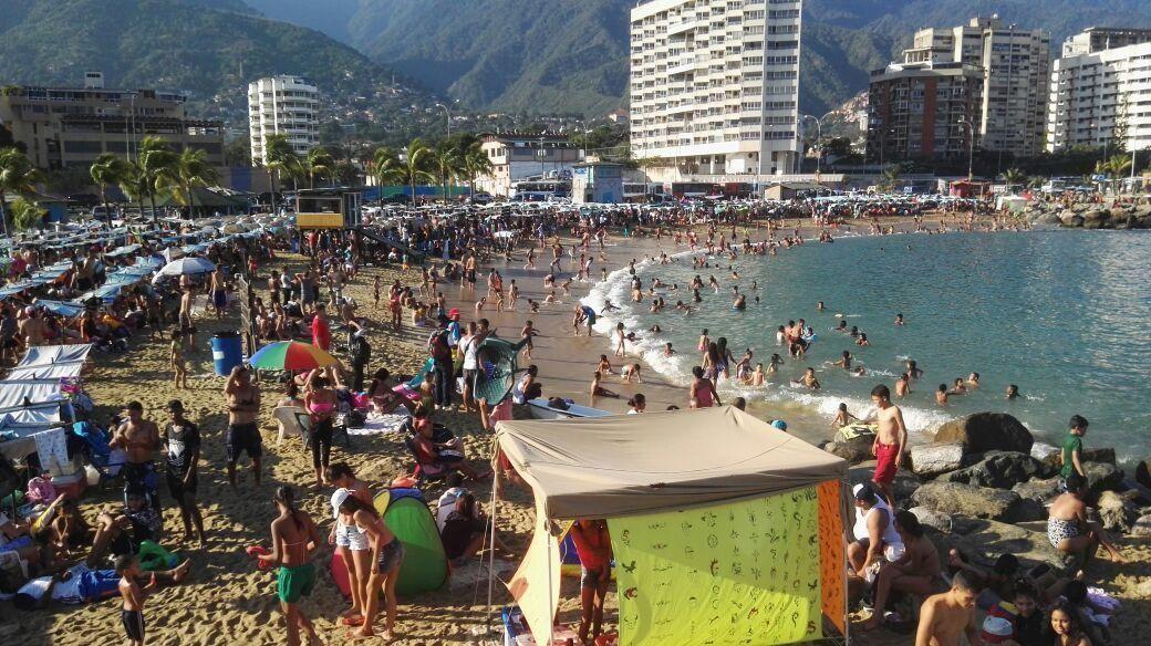 @vencedor_ribas : RT @PDVSATV: Desplegados 1500 colaboradores de Barrio Adentro Deportivo para el disfrute sano y recreativo del https://t.co/d8xeIu29rl