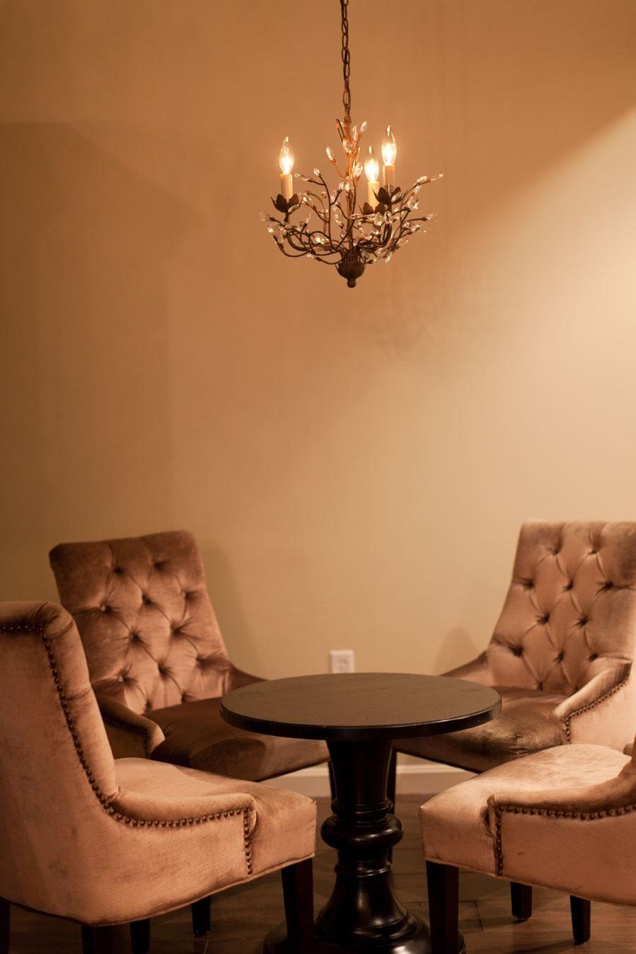 Spa Ni\'Joli and Salon | waiting area | Pinterest | Salons, Spa and ...