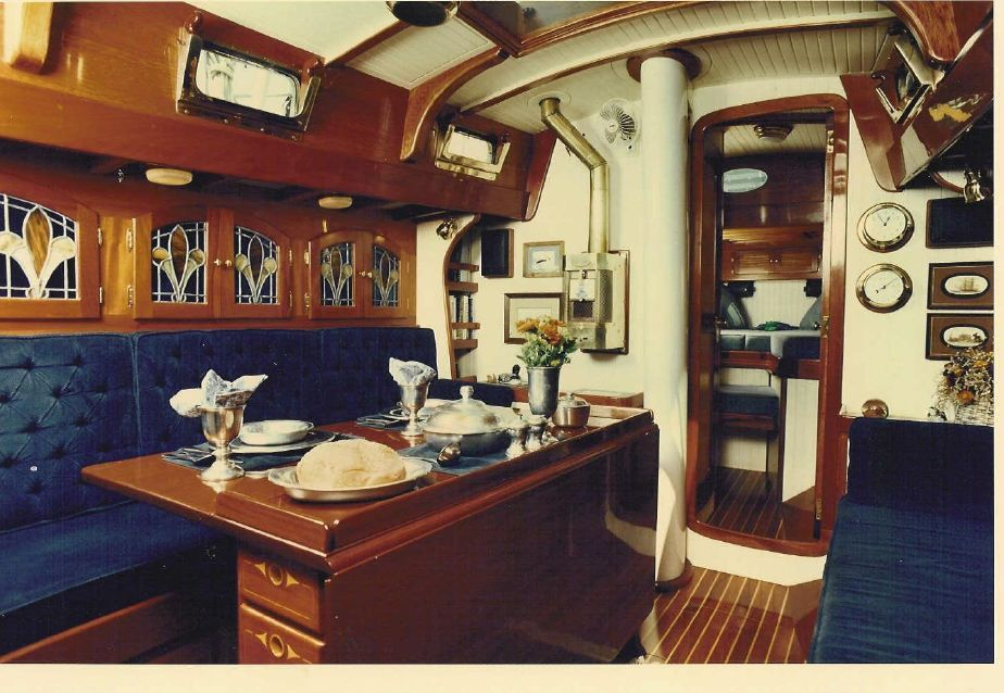Segelyachten innen  beautiful sailing yacht interior | SAILORS AND SAILBOATS ...