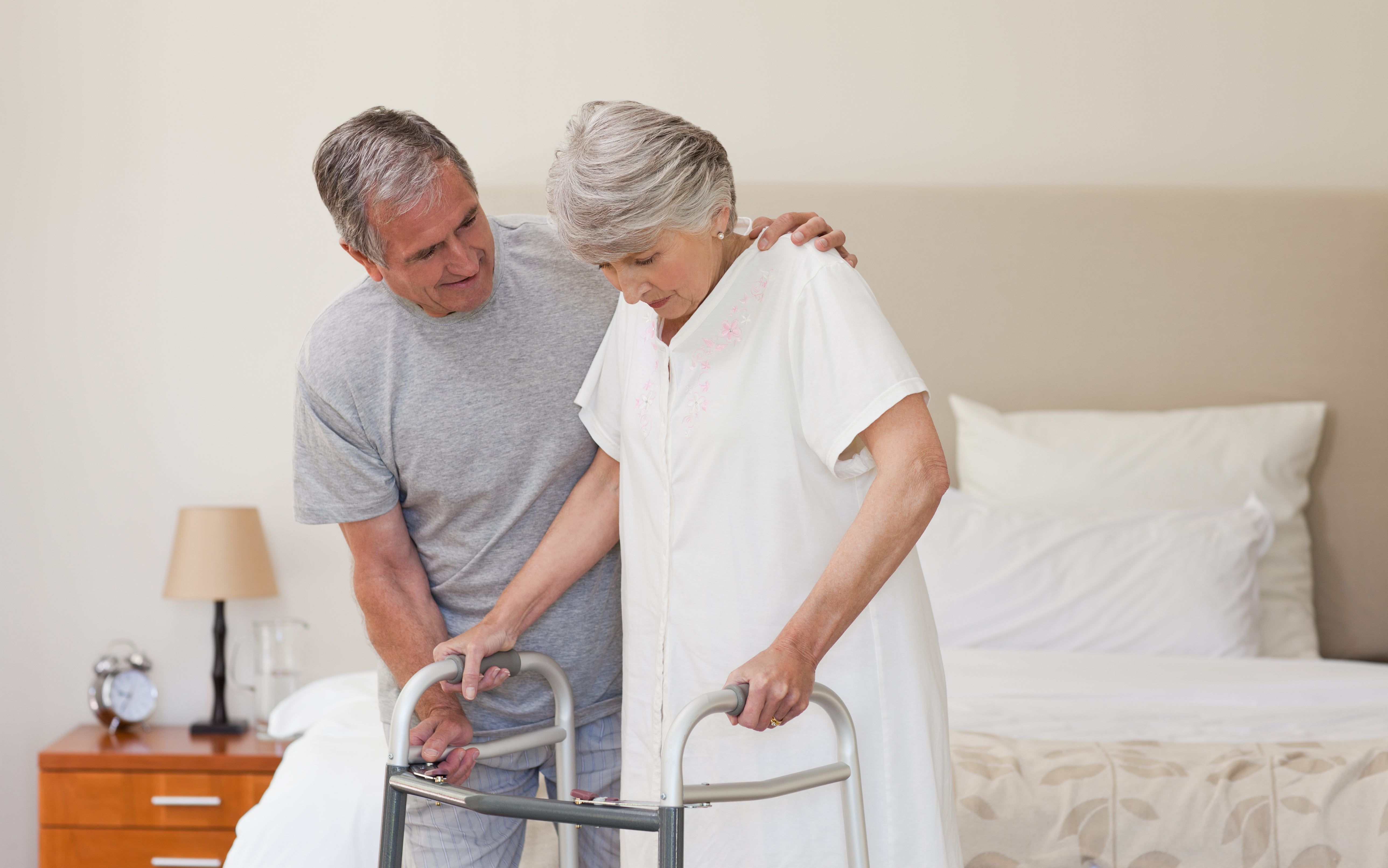 Home Safety Checklist for Seniors How to reduce falls in the home to protect your parent from broken bones. Did you know falls are the leading cause of fat