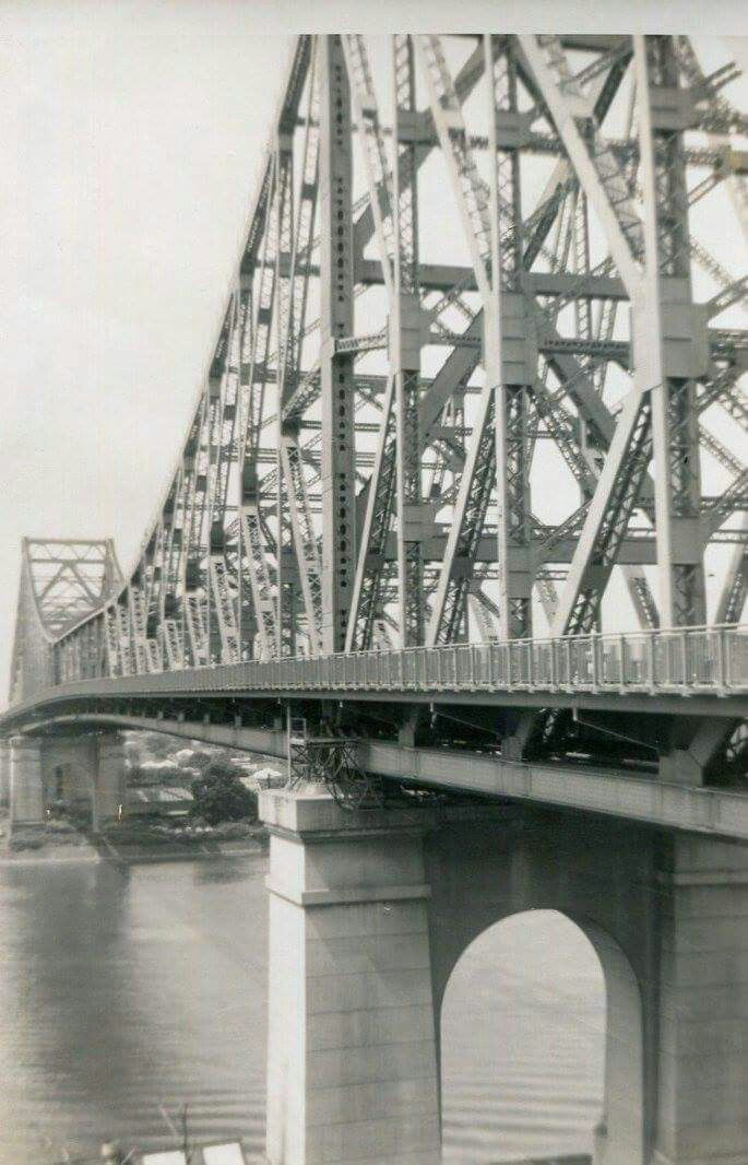 Storey Bridge from Valley end in 1963.