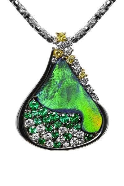 Black Opal Brooch/Pendant AT200 = Black Opal 5.000 ct Emerald 0.588 ct Yellow Diamond 0.156 ct Diamond 0.616 ct K18WG Z