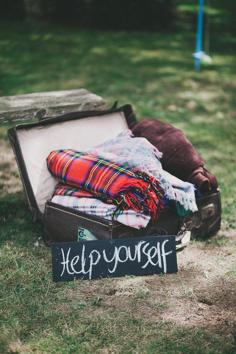 diy idea - blankets for an outdoor wedding