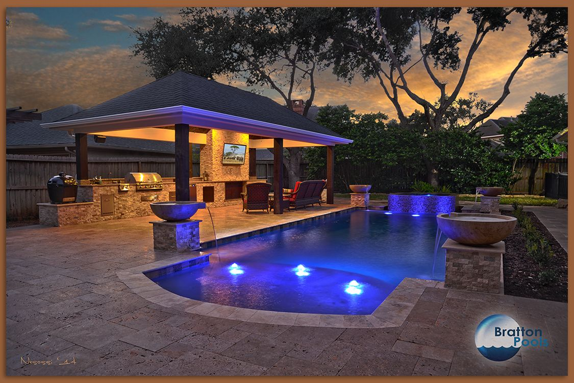 Geometric swimming pool with spa outdoor kitchen and for Outdoor kitchen ideas with pools