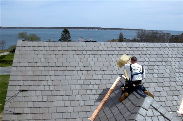 How To Find Roofing Companies In Your Area To Install A Composite Slate Roof Davinci Roofscapes Roofing Fibreglass Roof Slate Roof