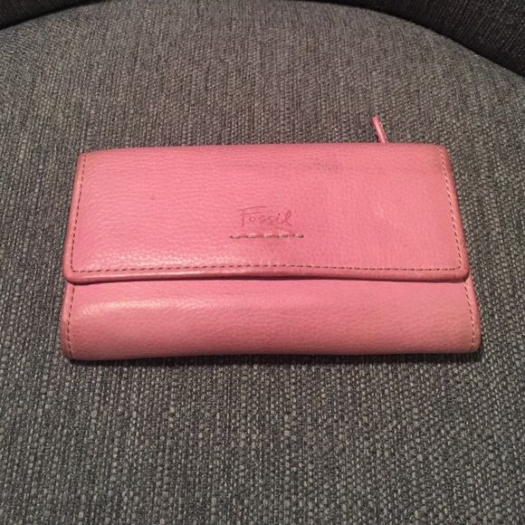 Pink Fossil Wallet Leather wallet. Shows some wear but cleaner should fix it. Holds alot of cards, change and checkbook. Fossil Other